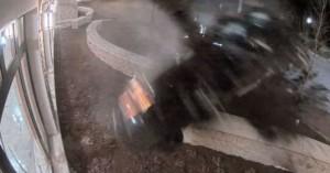 Οδηγός «κομμάτια» από την κοκαΐνη πέφτει με 180 χλμ σε ΑΤ (βίντεο)