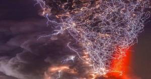 Σπάνιο βίντεο ηφαιστειακής αστραπής