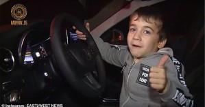 Τσετσενία: 5χρονο πήρε δώρο μια Mercedes επειδή έκανε 4.105 push-ups!