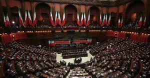 Ιταλία: «Πόλεμος» στη βουλή για δωρεάν προφυλακτικά σε πρόσφυγες και νέους