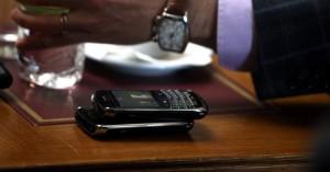 Μειώνεται το κόστος κλήσεων από κινητά και σταθερά εντός της ΕΕ