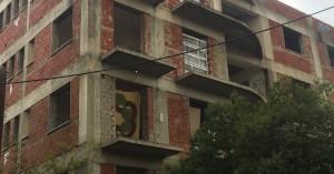 Άστεγοι έκαναν κατάληψη σε κτίριο στο κέντρο της πόλης (φωτο)