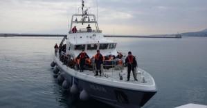 Τρεις συλλήψεις διακινητών απ'το πλοίο που εξέπεμψε SOS νότια της Γαύδου