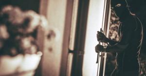 Νεκρή 86χρονη στα Καμίνια μετά από εισβολή ληστών