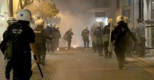 Ηράκλειο: Ένταση στην πορεία για το Πολυτεχνείο- Μια σύλληψη και προσαγωγές