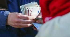 Κοινωνικό μέρισμα από 300 έως 1.400 ευρώ σε 1,3 εκατ. νοικοκυριά