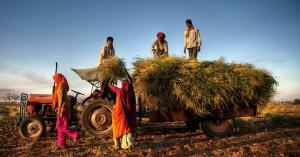 Σταρ του Bollywood ξεπλήρωσε τα χρέη 1.398 αγροτών