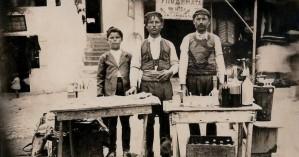 Στο παζάρι των Μοιρών εν έτει 1925 - 1927