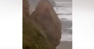 Τεράστιος βράχος γκρεμίζεται πάνω σε παραλία της Κορνουάλης (βίντεο)