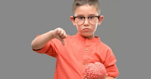 Παιδί και οθόνες: Τα επικίνδυνα όρια για τον εγκέφαλο