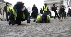 Έγιναν 1.082 προσαγωγές στο Παρίσι για τα «κίτρινα γιλέκα»