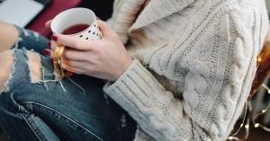 Δείτε το χρώμα βερνικιού που αφαιρεί χρόνια από τα χέρια σας!