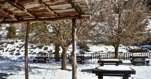 Εντυπωσιακές εικόνες από τον χιονισμένο Ομαλό (φωτο)