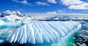 Τρόμο προκαλούν οι ρυθμοί με τους οποίους λιώνουν οι πάγοι στην Ανταρκτική