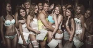 «Χειροπέδες» στο ζευγάρι των Ρώσων γκουρού του σεξ