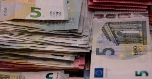«Οι Έλληνες δυσκολεύονται να καλύψουν τις δαπάνες τους»