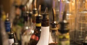 Ινδία: Στους 169 οι νεκροί από ποτά «μπόμπες» από την αρχή του χρόνου