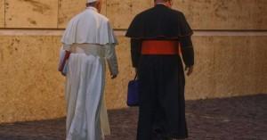 Ο Πάπας Φραγκίσκος συγκαλεί «σύνοδο κορυφής» για τα σεξουαλικά σκάνδαλα
