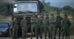 Συνολικά 13 μέλη των δυνάμεων ασφαλείας της Βενεζουέλας αυτομόλησαν