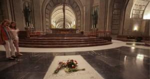 Ισπανία: Διορία 15 ημερών στους απογόνους του Φράνκο για να θάψουν τα λείψανά του