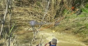 Κορυφώνεται η τραγωδία: Ανέσυραν δύο σορούς από το όχημα