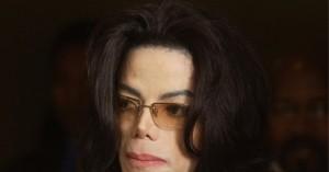 Καθαρίστρια του Μ.Τζάκσον:Απειλούσαν να με σκοτώσουν αν αποκάλυπτα  ότι ήταν παιδόφιλος!