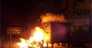 «Νέρωνας» με ποδήλατο έβαζε φωτιές σε κάδους