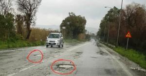 Επικίνδυνες λακκούβες στον ΒΟΑΚ χωρίς σήμανση! (φωτο)
