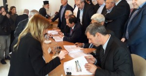 Ημέρα σταθμός - Έπεσαν οι υπογραφές για το Διεθνές αεροδρόμιο Καστελλίου (φώτος)
