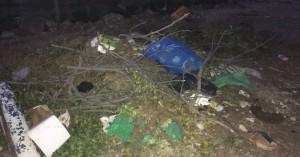 Απέραντο σκουπιδαριό το γήπεδο στις Στέρνες (φωτο)