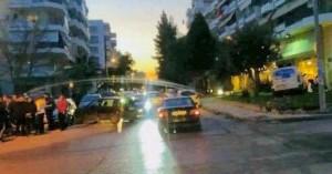 Αυτοκίνητο παραλίγο να μπει σε κατάστημα μετά από τροχαίο στον Εύοσμο
