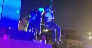 Μεγάλοι και παιδιά απεγκλωβίστηκαν από χαλασμένο τελεφερίκ σε λούνα παρκ