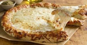 Σπιτική πίτσα για ...τυρολάτρες