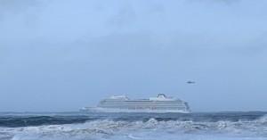 Στους 479 σταμάτησε η εκκένωση - Το Viking Sky ρυμουλκείται σε λιμάνι