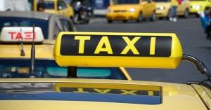 Συνελήφθησαν 10 οδηγοί ταξί για «πειραγμένες ταμειακές»