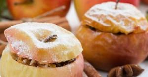 Ψητά μήλα με αμύγδαλα και σταφίδες