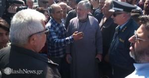 Αστυνομία στον Κερίτη -Πάνω από 500 συγκεντρωμένοι για την περιφρούρηση του δρόμου(βίντεο)