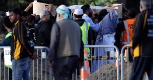 Απολύθηκε και απελάθηκε άνδρας που πανηγύριζε για το μακελειό στη Νέα Ζηλανδία