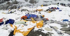 Έβερεστ: Μακάβριες αποκαλύψεις μετά το λιώσιμο των πάγων