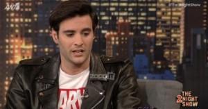 Ίαν Στρατής: Το παντελόνι που κατέβασε στο X Factor και ο λόγος που… εξαφανίστηκε!