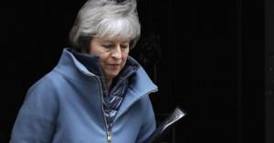 Σχέδιο υπουργικού «πραξικοπήματος» κατά της Μέι αποκαλύπτουν οι Sunday Times