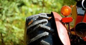 Ενημέρωση για θεώρηση αδειών κυκλοφορίας αγροτικών και επισκευή γεωργικών μηχανημάτων