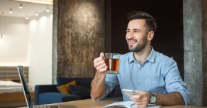 Τσάι: Από τι κινδυνεύουμε όταν το πίνουμε καυτό