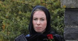 Νέα Ζηλανδία:Viral φωτογραφία της αστυνομικού που φόρεσε μαντίλα στις κηδείες των θυμάτων