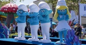 Τα στρουμφάκια πρωταγωνιστές της νέας καμπάνιας της Ε.Ε. για τον καθαρισμό των ακτών