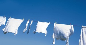 Το κόλπο με την ασπιρίνη για πιο λευκά ρούχα