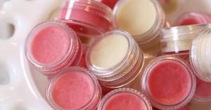 Δέκα πράγματα που μπορείς να κάνεις με το lip balm σου