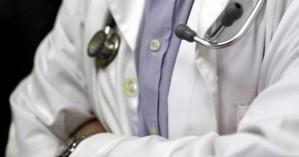 Προφυλακίστηκε ο γιατρός που κατηγορείται για ασέλγεια σε βάρος ανήλικης