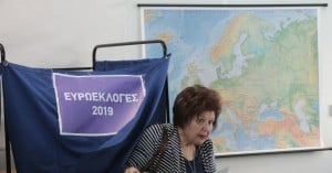 «Λειψές» εφορευτικές επιτροπές σε πολλά τμήματα ακόμα και από αυτό που ψηφίζει ο Τσίπρας