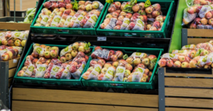 Λαμία: Υπάλληλοι σούπερ μάρκετ έκλεβαν τρόφιμα και τα έδιναν σε Ρομά